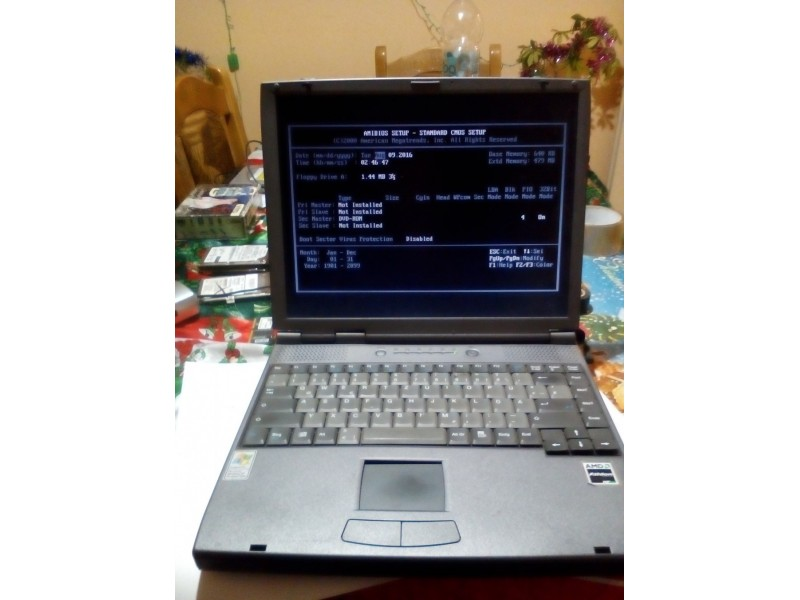 Laptop Targa Visionary 1300 WS citaj opis