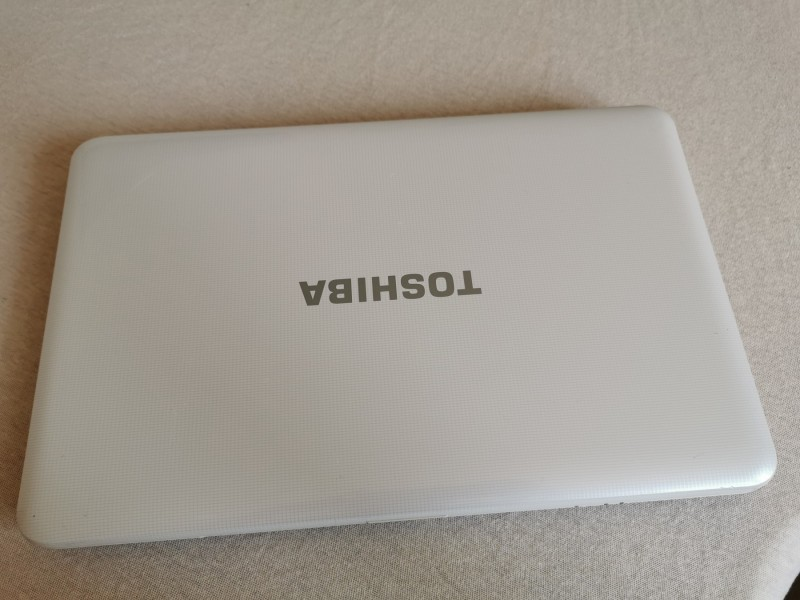 Laptop Toshiba Satellite L855 i5-3120 2.50GHz 6GB 750GB