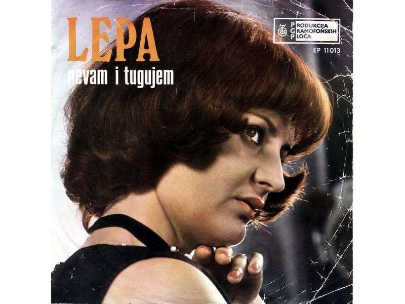 Lepa Lukić - Pevam I Tugujem