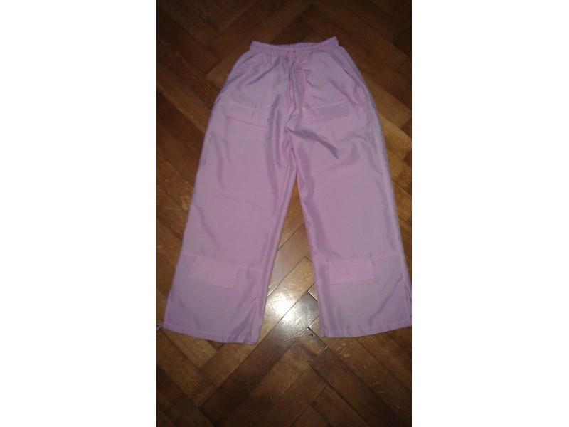 Letnje pantalone sa džepovima