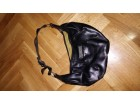 MANGO - mala crna torba