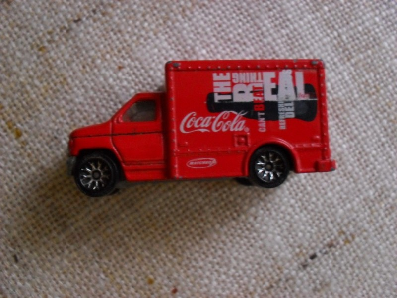 MATCHBOX - FORD BOX TRUCK COCA COLA