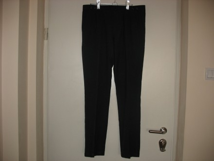 MUSKE CRNE PANTALONE  EVR:44 , MEX:34