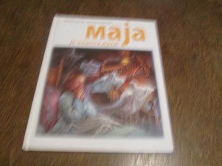 Maja je videla duha!