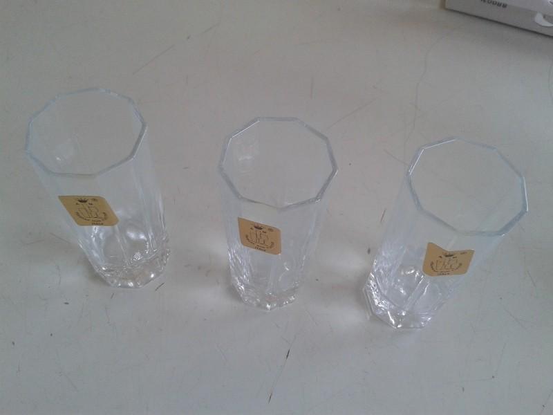 Male case za zestoka pica 3 komada