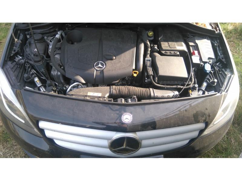 Mercedes delovi