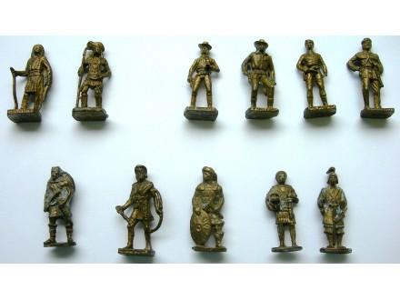 Metalni Kinderi, kolekcija od 26 različitih, vojnici...