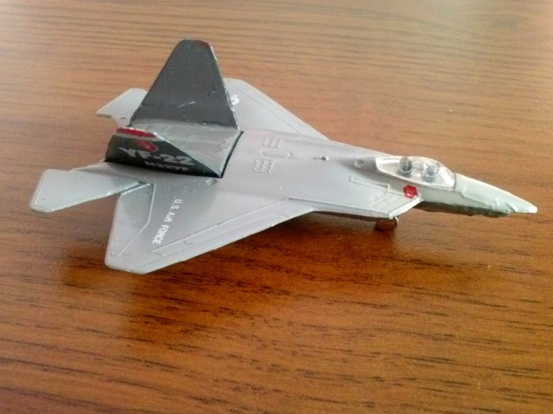 Metalni avion Lockheed YF-22