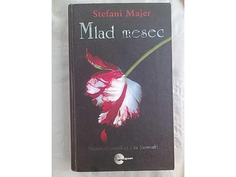 Mlad mesec-Stefani Majer