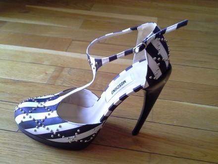 Moschino sandalete