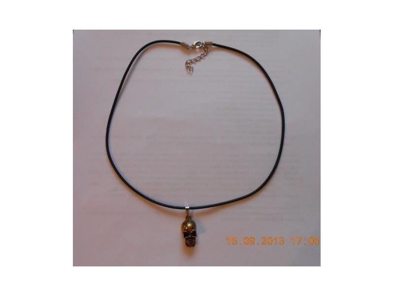 Muško-ženska ogrlica lobanja