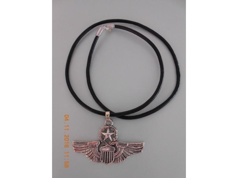 Muško-ženska ogrlica ratne avijacije