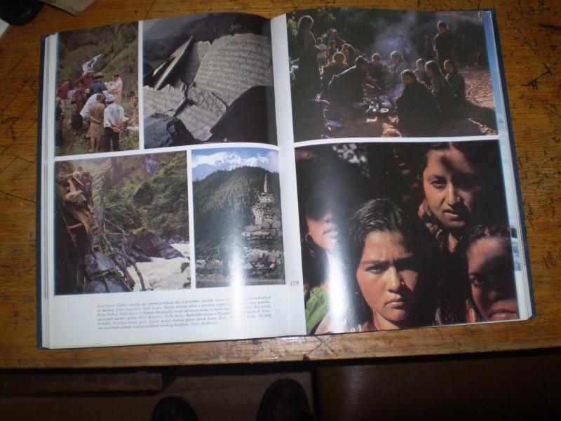 NA VRH SVIJETA planinarska foto enciklopedija
