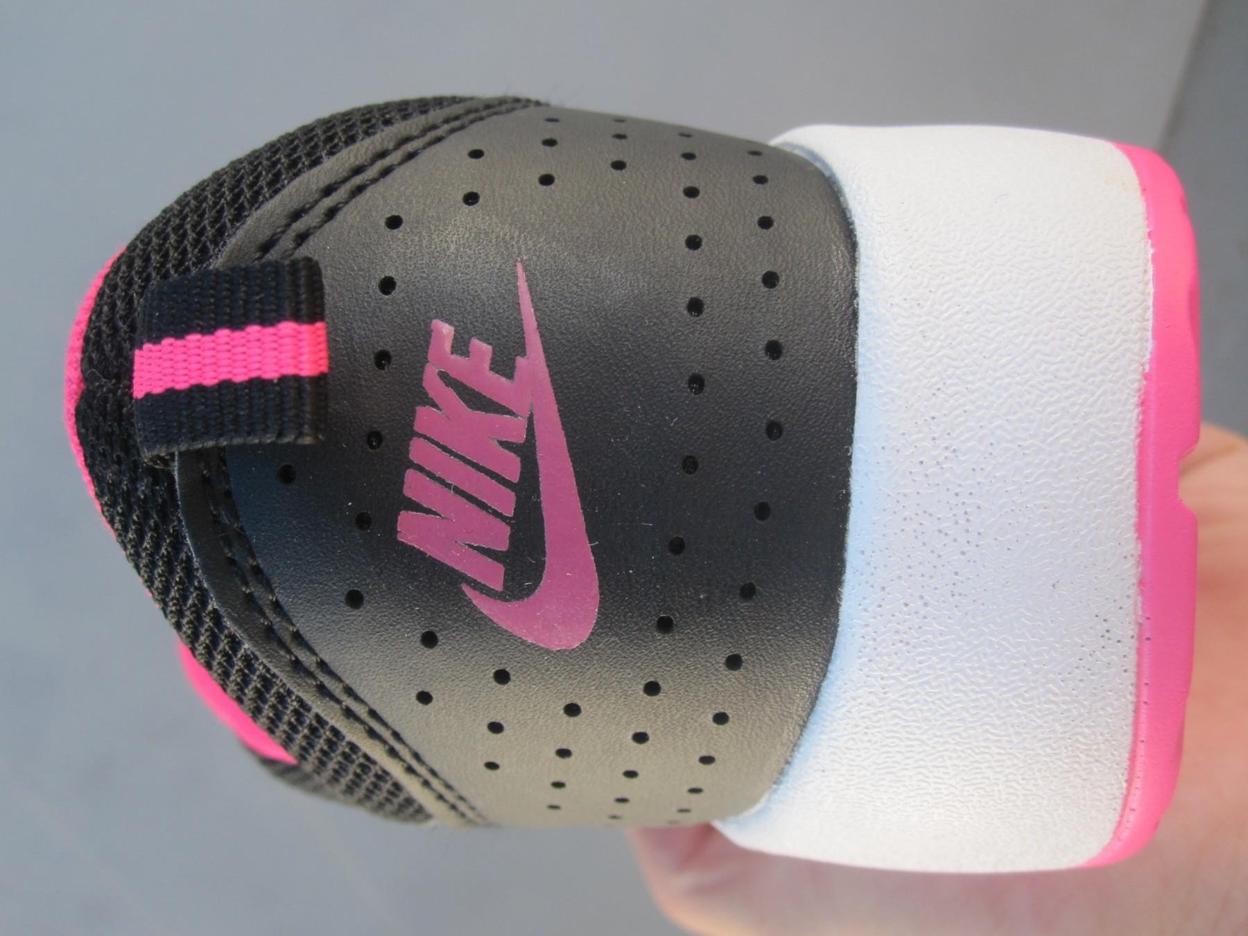 crno roze air max
