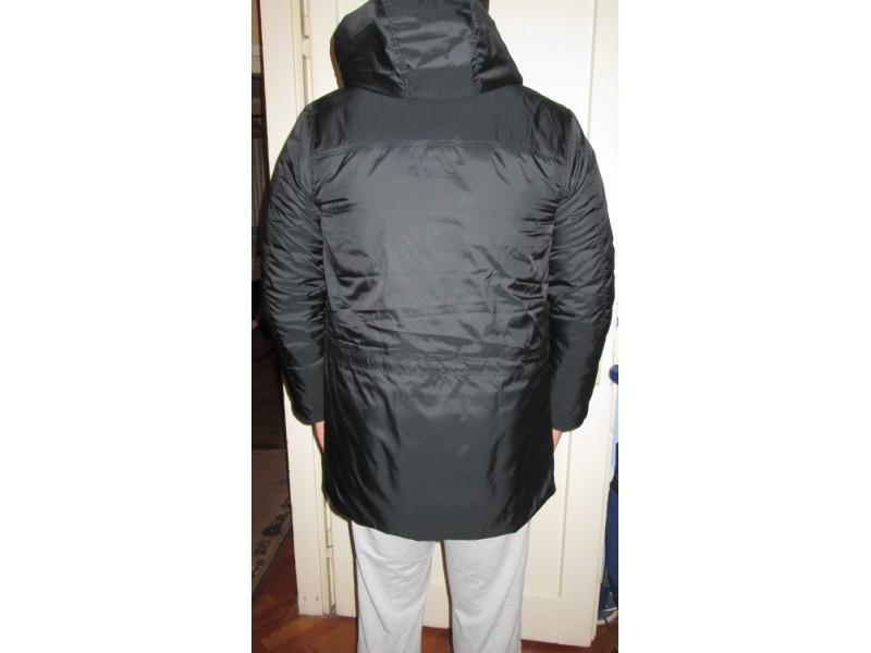 NOVO!! Muška NIKE jakna