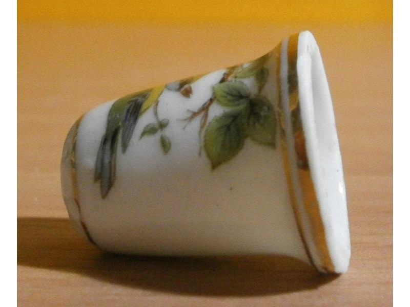 Naprstak porcelanski