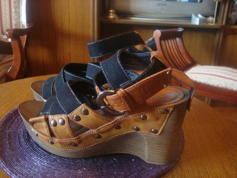 Neobične i prelepe sandale sa platformom