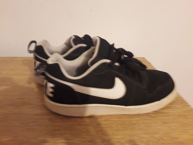 Nike crne 41