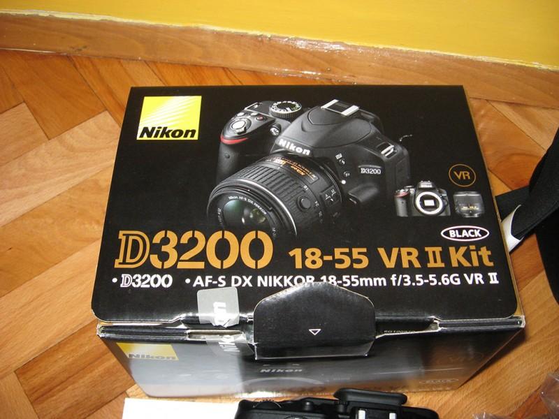 Nikon D3200 kit (objektiv 18-55 VR II +  torba)