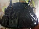 Nova crna lakovana torba Avon