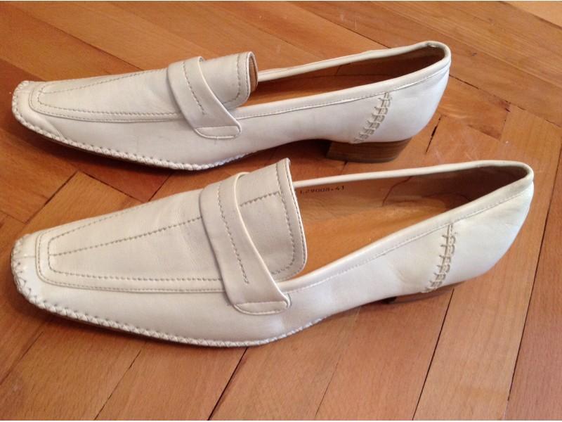 Nove zenske cipele
