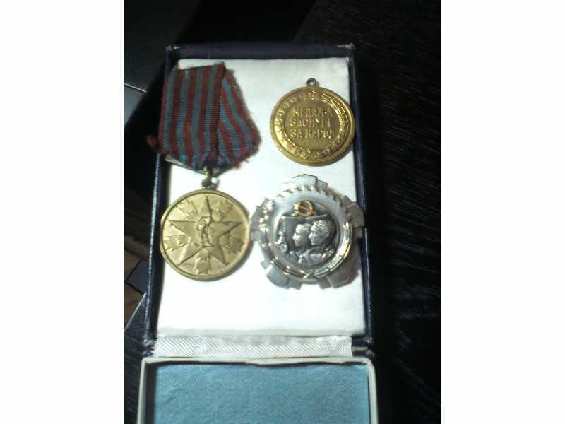 ORDEN RADA sa srebrnim vencem + 2 medalje zasluge za na