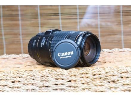 Objektiv Canon EF 70-300mm f/4-5.6 IS USM.