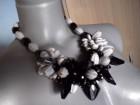 Ogrlica crno-sive boje, veca
