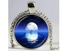 Ogrlica iz `Mesečeve kolekcije` 2