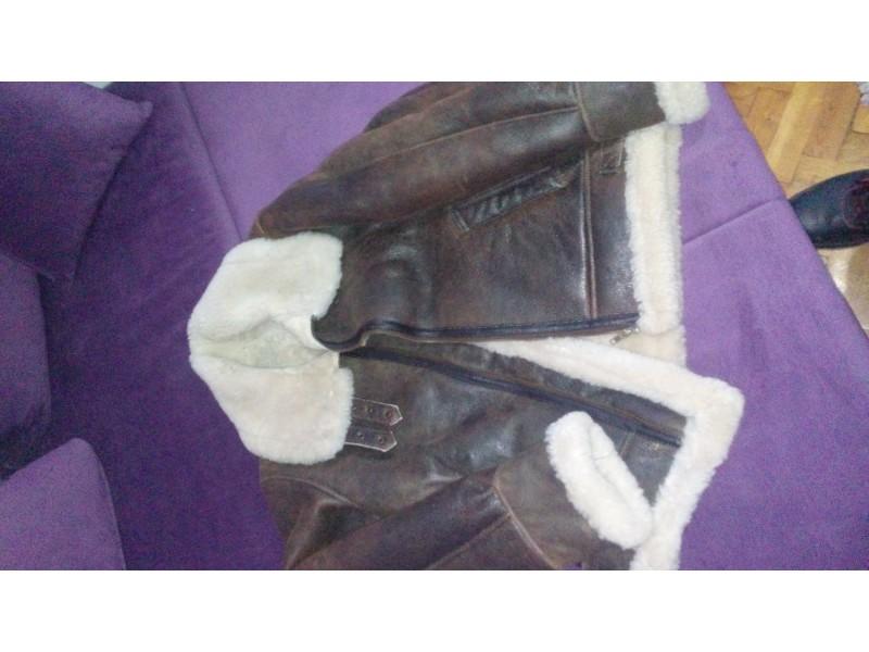 Pilotska jakna od jagnjeceg krzna