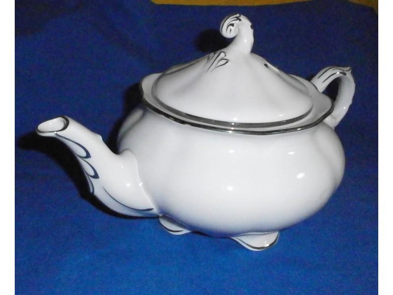 Porcelanski roze čajnik Pirken Hammer
