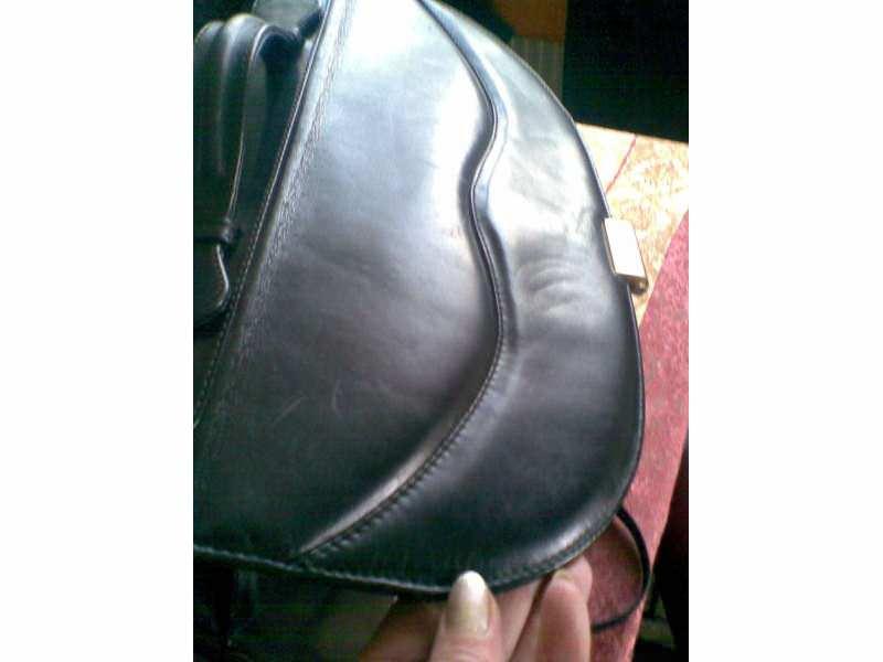Poslovna zenska torba-velika i veoma lepa