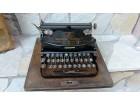 Predratna pisaća mašina