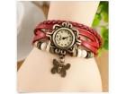 Prelep zenski sat narukvica - NOVO - crvena boja