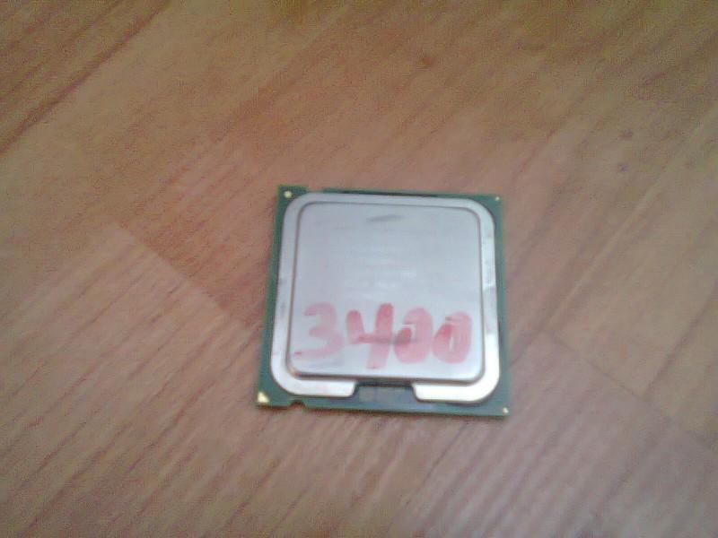 Procesor za 775soc,, HTT 3400mhz,,800 mag