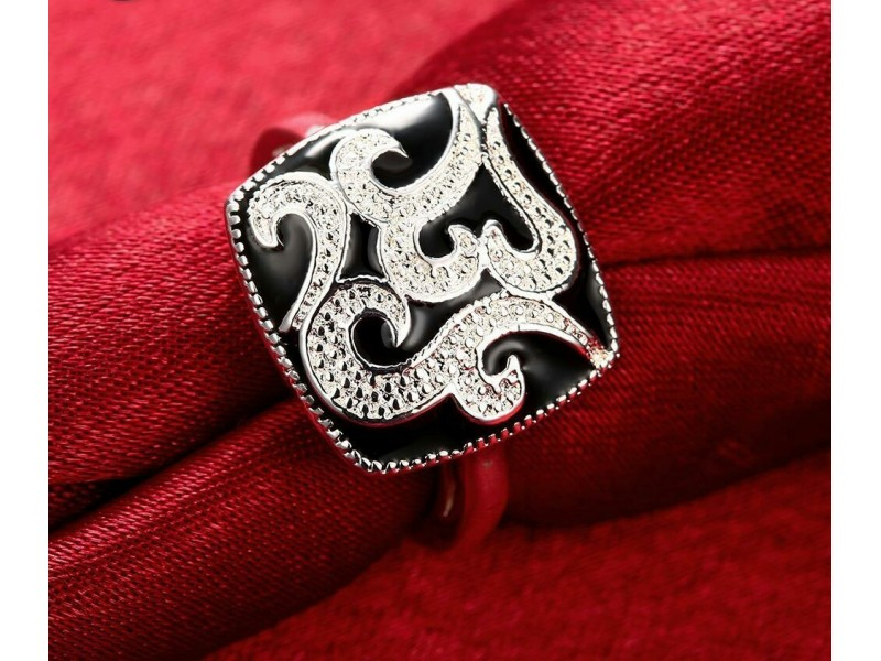 Prsten  sa 925 žigom