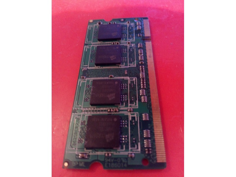 Ram memorija Corsair 512 MB DDR2 667 za laptop