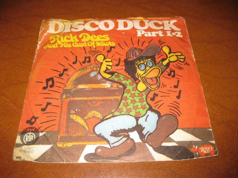 Rick Dees & His Cast Of Idiots - Disco Duck Part 1+2