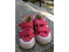 Roze patikice broj 25