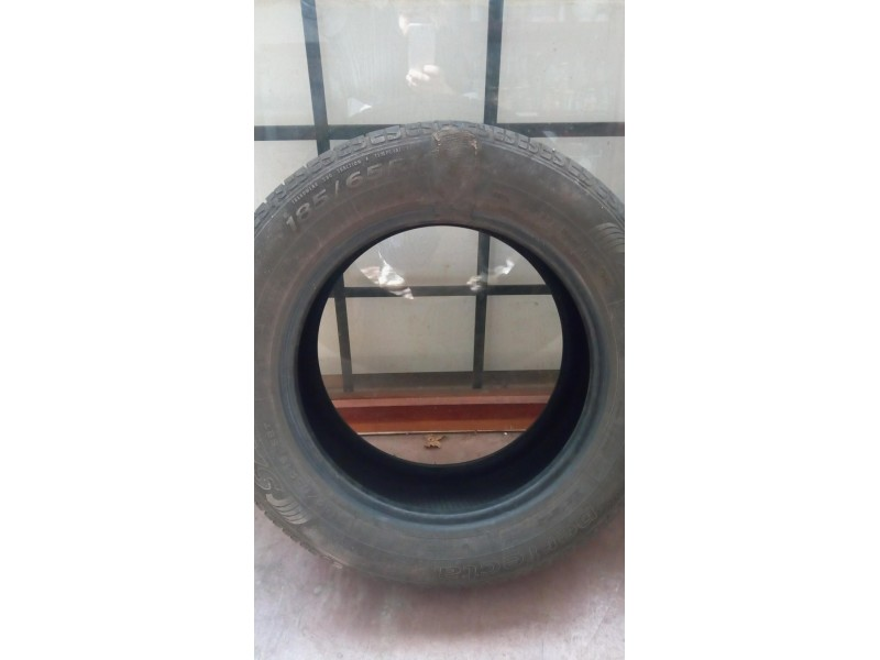 SAVA PERFECTA 185/65 R15 dve letnje gume