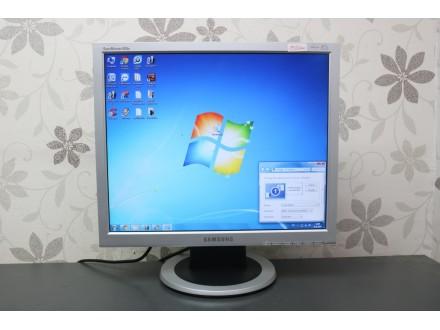 """Samsung 19"""" TFT monitor 1142"""