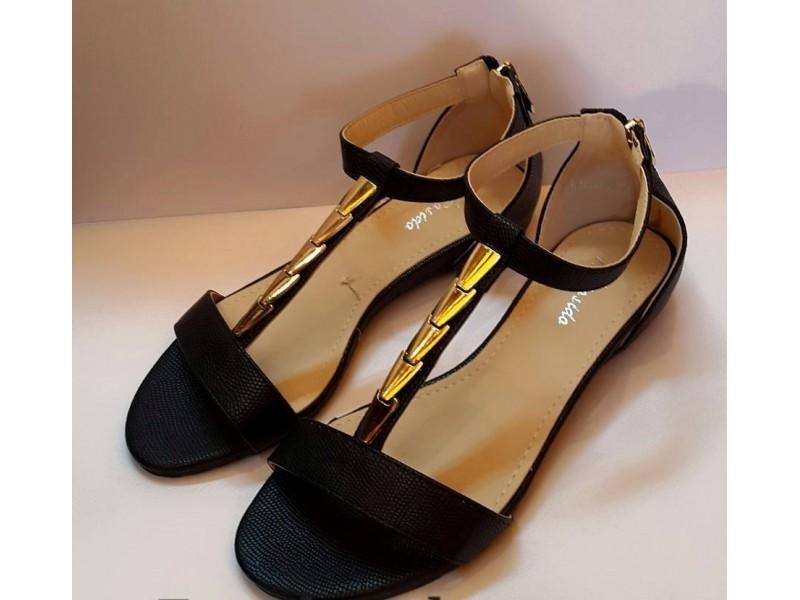 Sandale 28 NOVO - crne i bez