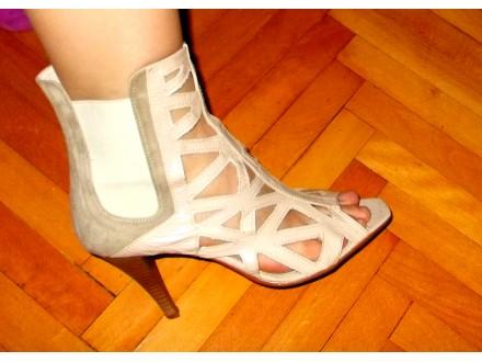 Sandale duboke