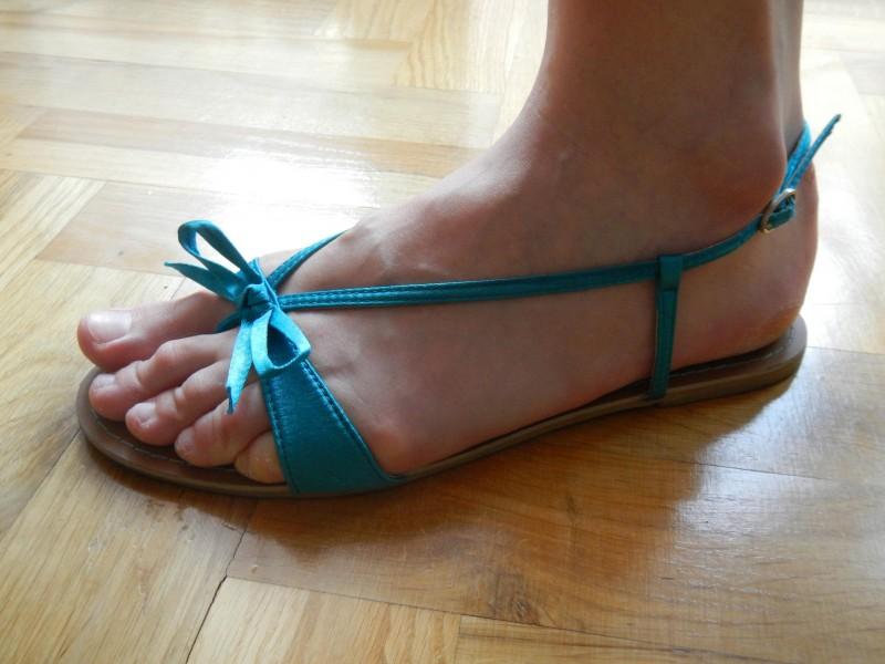 Satenske sandale NOVE!!!