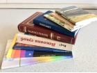 Šest knjiga iz oblasti religije + poklon: tri brošure
