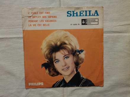 Sheila (5) - L` Ecole Est Finie / Le Sifflet Des Copains / Pensant Les Vacances / La Vie Est Belle