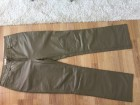 Sive kozne pantalone iz Svajcarske