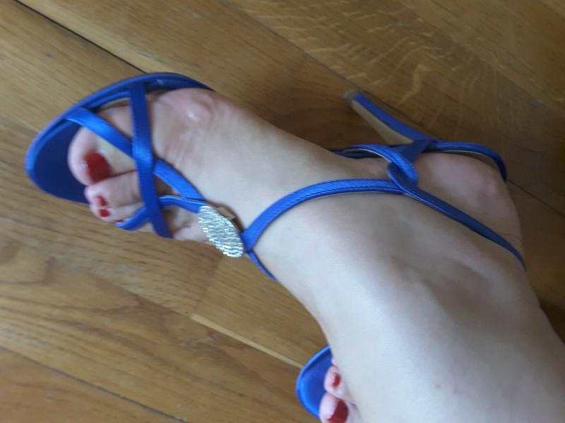 Sjajna cena - Versace plave sandale