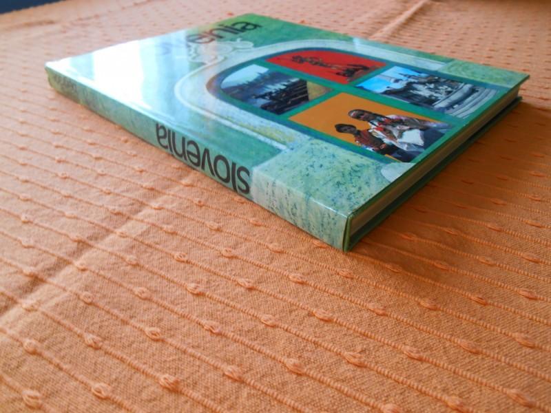 Slovenia (Slovenija - monografija na engleskom)