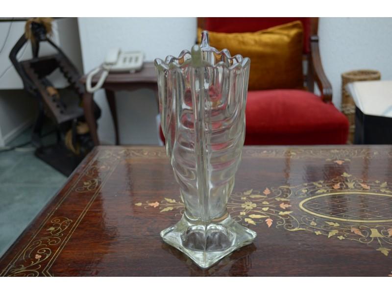 Stara dobro očuvana kristalna vaza visina 24 cm.